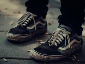 shutterstock_694558150_sneakers_on_street-sm