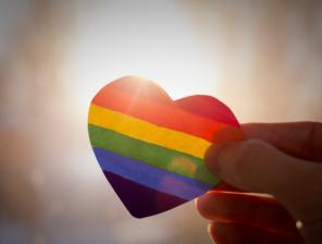 shutterstock_1040278546_rainbow heart